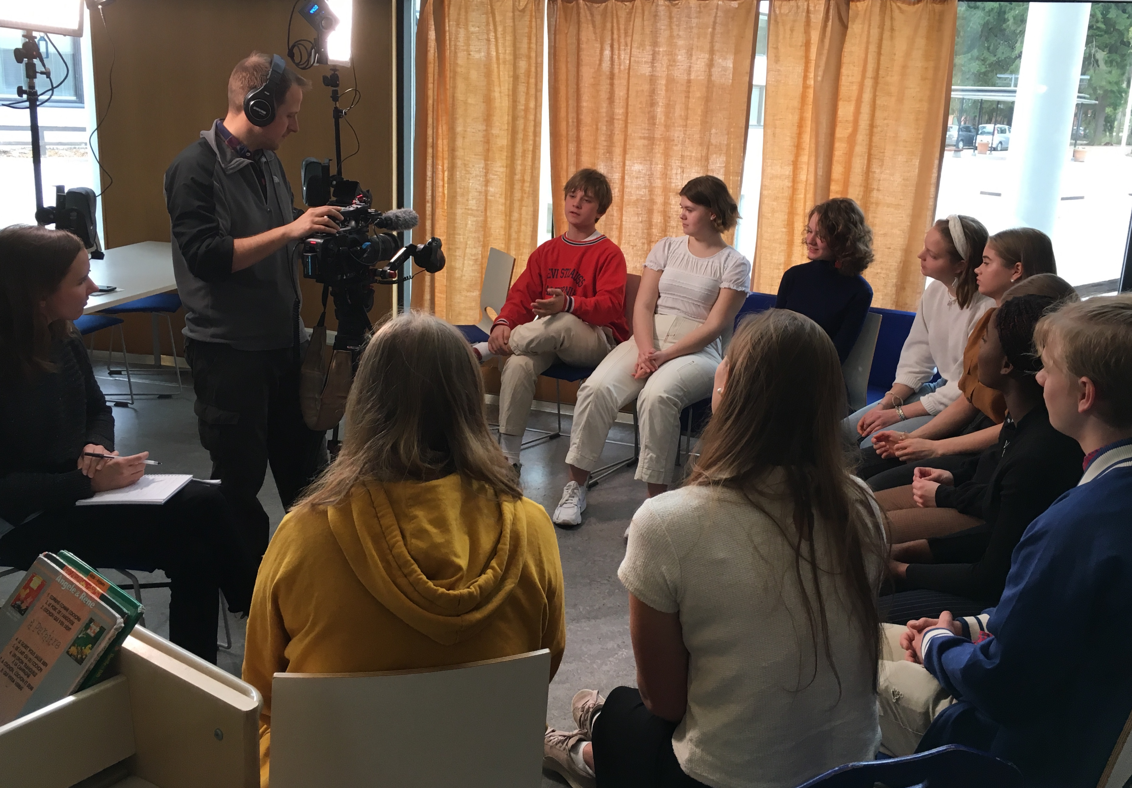 CNN reporters visited the French Finnish school of Helsinki